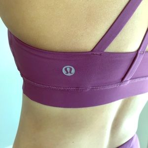 Lululemon Size 6. >> Great Condition <<